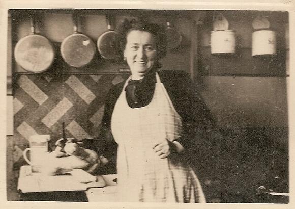 Ma mère 1952